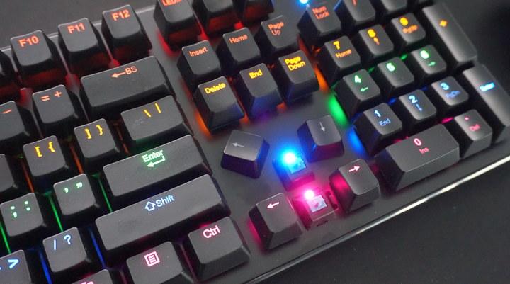 כפתורי המקלדת המכנית XPG INFAREX K20
