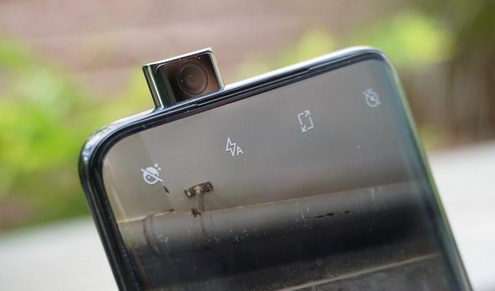 המצלמה הנשלפת של OnePlus 7 Pro