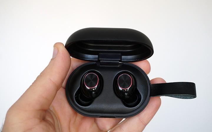 קופסת הטעינה של אוזניות ללא חוטים Tronsmart Spunky Beat TWS