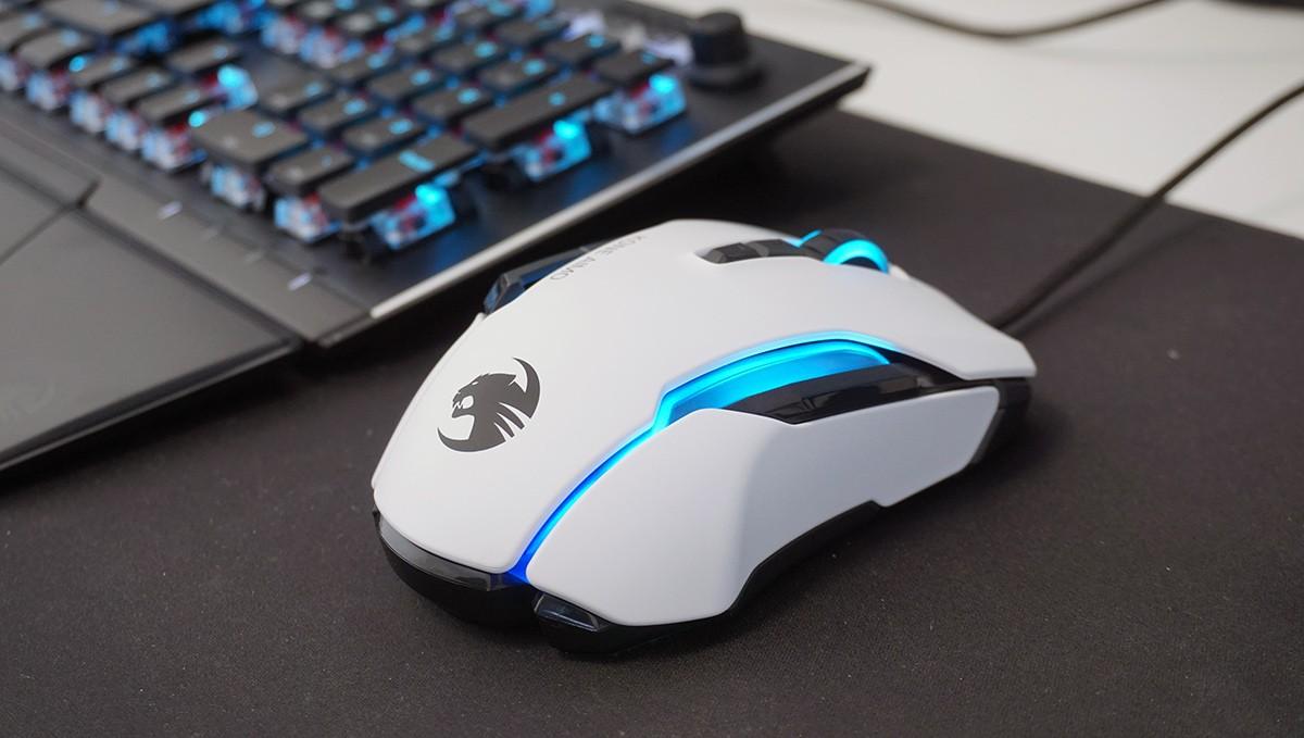 עכבר למשחקים Kone AIMO של רוקאט (Roccat)