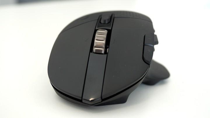 עכבר G604 של לוג'יטק במבט מלפנים